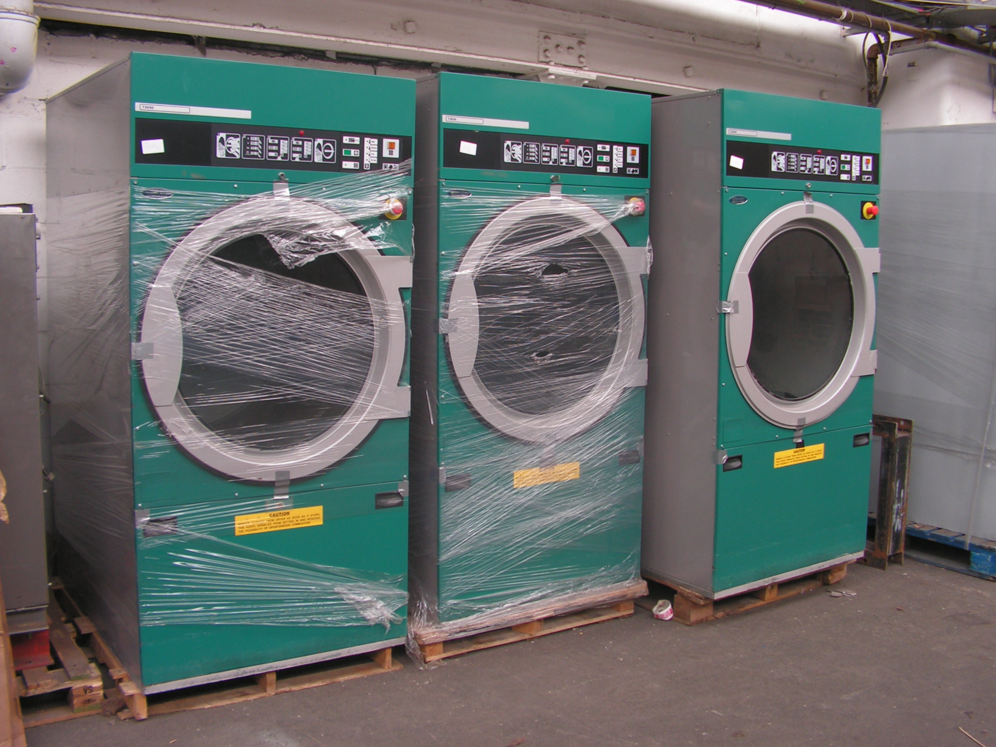 Industrial Washing Machines : Laundry equipment commercial washing machine